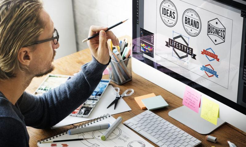 Progettazione brand identity: step iniziali per definire l'identità del brand.